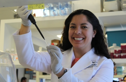 Científica mexicana a la caza de moléculas contra cáncer de mama triple negativo