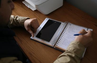 Evalúan destrezas de universitarios en el uso educativo de laptop, tableta y smartphone