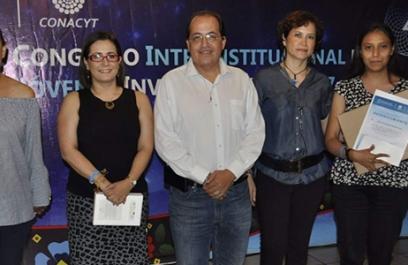 Distinguen a estudiante de Querétaro por investigación en espintrónica